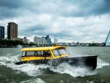 Daarom maken Rotterdammers deze weken massaal gebruik van watertaxi's: 'Horen nauwelijks Duits of Engels'