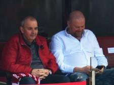 Rivalen Barney en Taylor genieten samen van Bayern