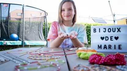 Marie (11) verkoopt zelfgemaakte juweeltjes voor Prinses Harte