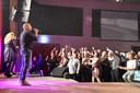 Venhorsts publiek zingt en swingt tijdens 3 promsavonden.