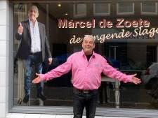 Zingende Slager uit Scheveningen probeert eenzame ouderen serieus te helpen: 'Gaat me echt aan m'n hart'
