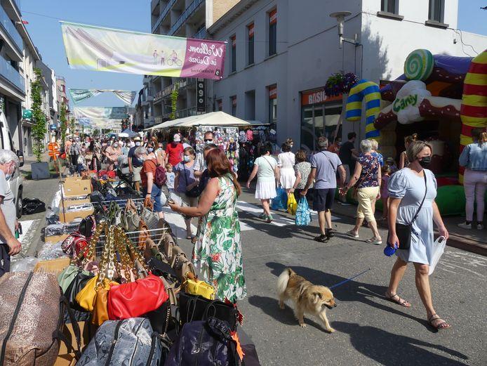 Dit jaar werd de markt doorgetrokken tot in de Tolpoortstraat.
