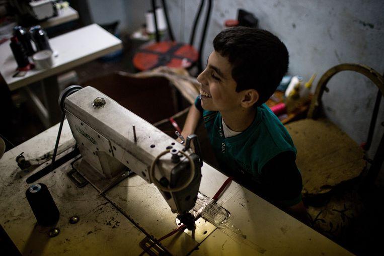 De martelaarskinderen gaan naar school en ook hun moeders krijgen les. Sommigen bezoeken de plaatselijke universiteit. Beeld Getty Images