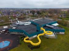 Stichting ziet alleen heil in nieuwbouw voor zwembad Wezep, wethouder houdt vast aan 'oude dame'