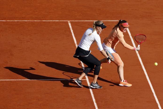 Kristina Mladenovic et Timea Babos, dimanche, à Paris