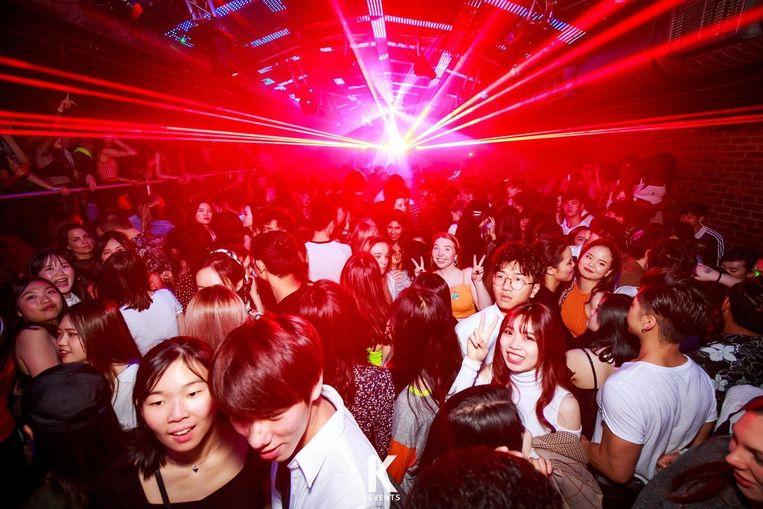Waan je een avond in een Koreaanse club met de grootste K-pophits. Beeld K-events