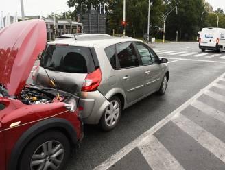 Verkeershinder op drukke Expresweg na kop-staartbotsing aan rode lichten