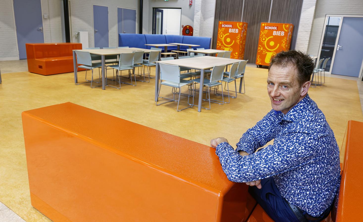 Directeur Anjo Sanders van het Vada College in Boxtel: ,,We krijgen aanmeldingen vanuit samenwerkingsverbanden die eerder aan ons voorbij gingen. We zijn weer in beeld.''