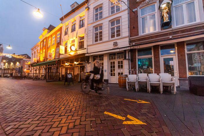 Den Bosch. Lege terrassen in de Uilenburg in âęs-Hertogenbosch nav de 2e lockdown door corona