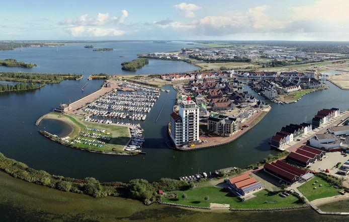 Luchtfoto van nieuwbouwwijk Het Waterfront in Harderwijk in 2020. De wijk heeft nu de publieksprijs gewonnen voor duurzame gebiedsontwikkeling.