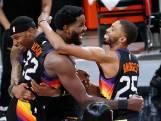Spectaculaire dunk in laatste seconde wedstrijd helpt Suns aan overwinning