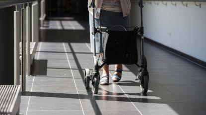 """In schoen van demente ouderen in Genk zit een chip: """"Het is de bedoeling om hen meer te laten bewegen en extra beleving aan te bieden"""""""