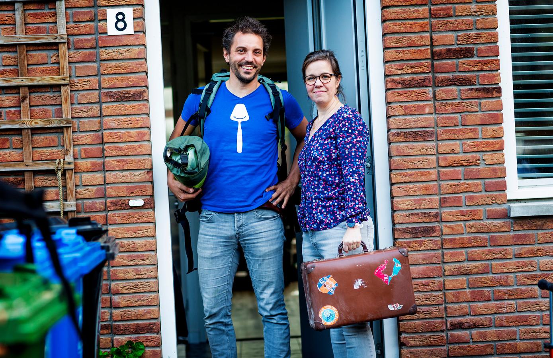 Harmen en Gretha van der Laan gaan misschien op vakantie naar Zweden, maar blijven misschien ook gewoon in Nederland.