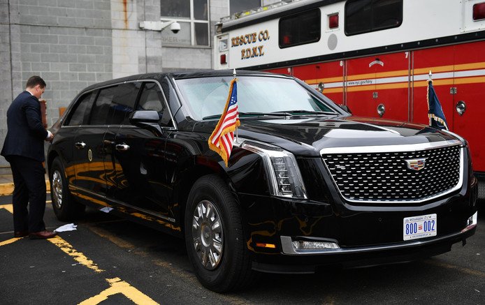 Trump heeft een nieuwe auto: 's werelds best beveiligde ...