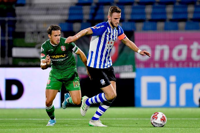 Branco van den Boomen (rechts) verruilt FC Eindhoven voor De Graafschap.