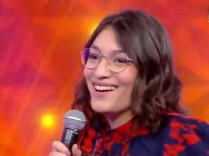 """Alessandra, la maestro belge de """"N'oubliez pas les paroles"""", accusée de tricherie par certains internautes"""