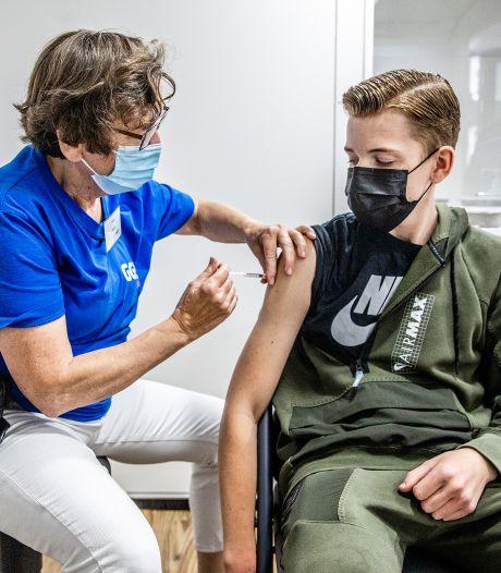 Barneveldse huisartsen: 'Laat je vaccineren, wij zien dagelijks dat gevaccineerden minder ziek worden'