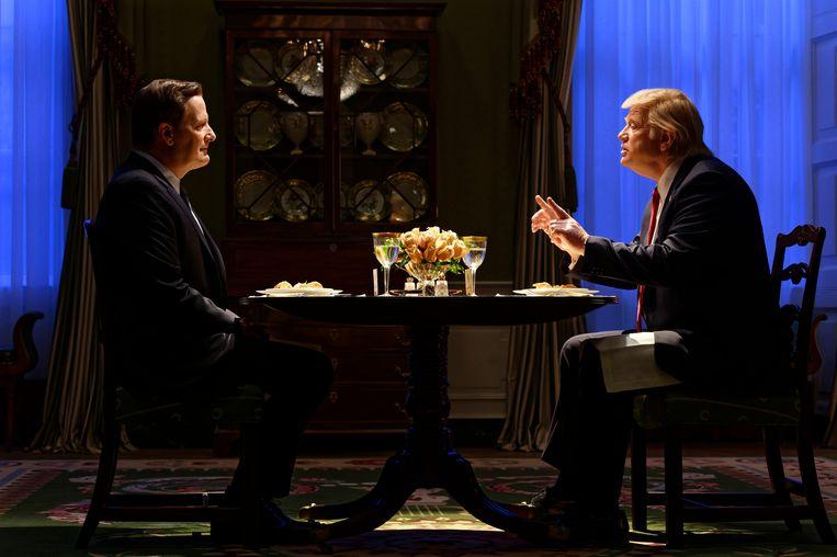 Jeff Daniels als FBI-chef James Comey en Brendan Gleeson als Donald Trump in The Comey Rule.   Beeld Ben Mark Holzberg/CBS Television