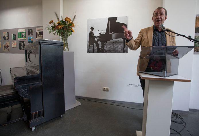 Ivo de Wijs opent de expositie 'Als ik van Brabant Zing'.