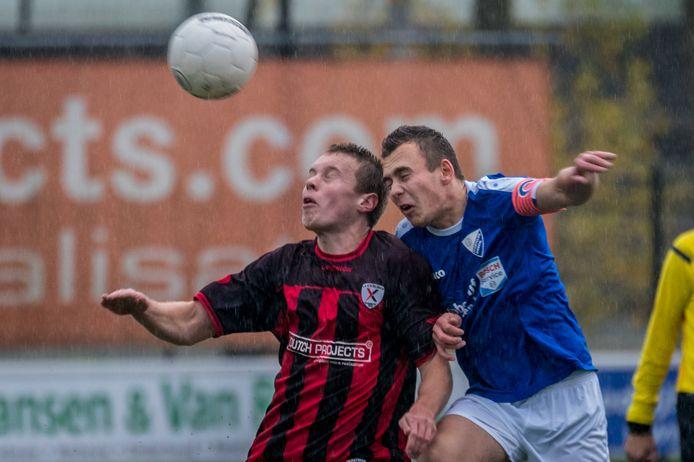 Woezik, hier op bezoek bij  Excelsior Zetten,  begint de competitie met een 6-0 zege bij Oranje Blauw.