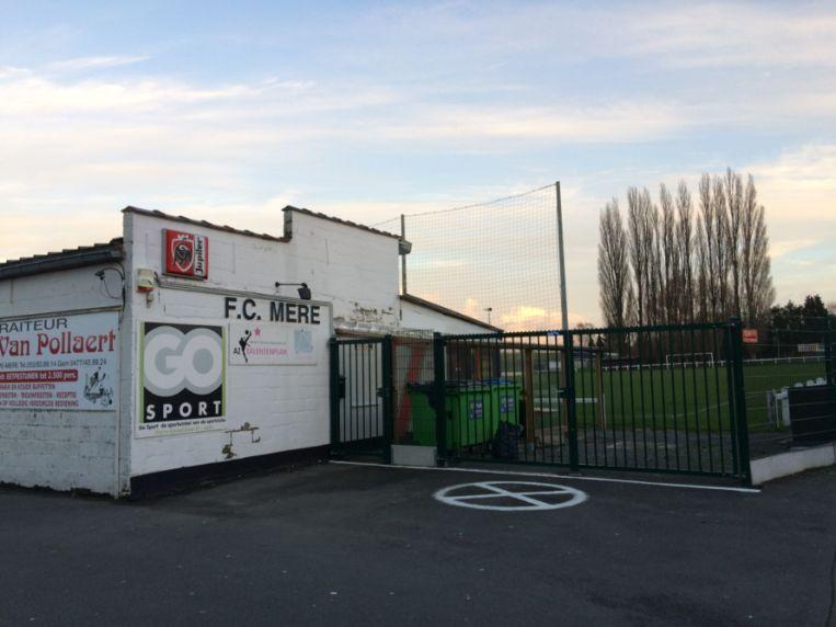Voetbalclub FC Mere heeft nood aan extra ruimte.