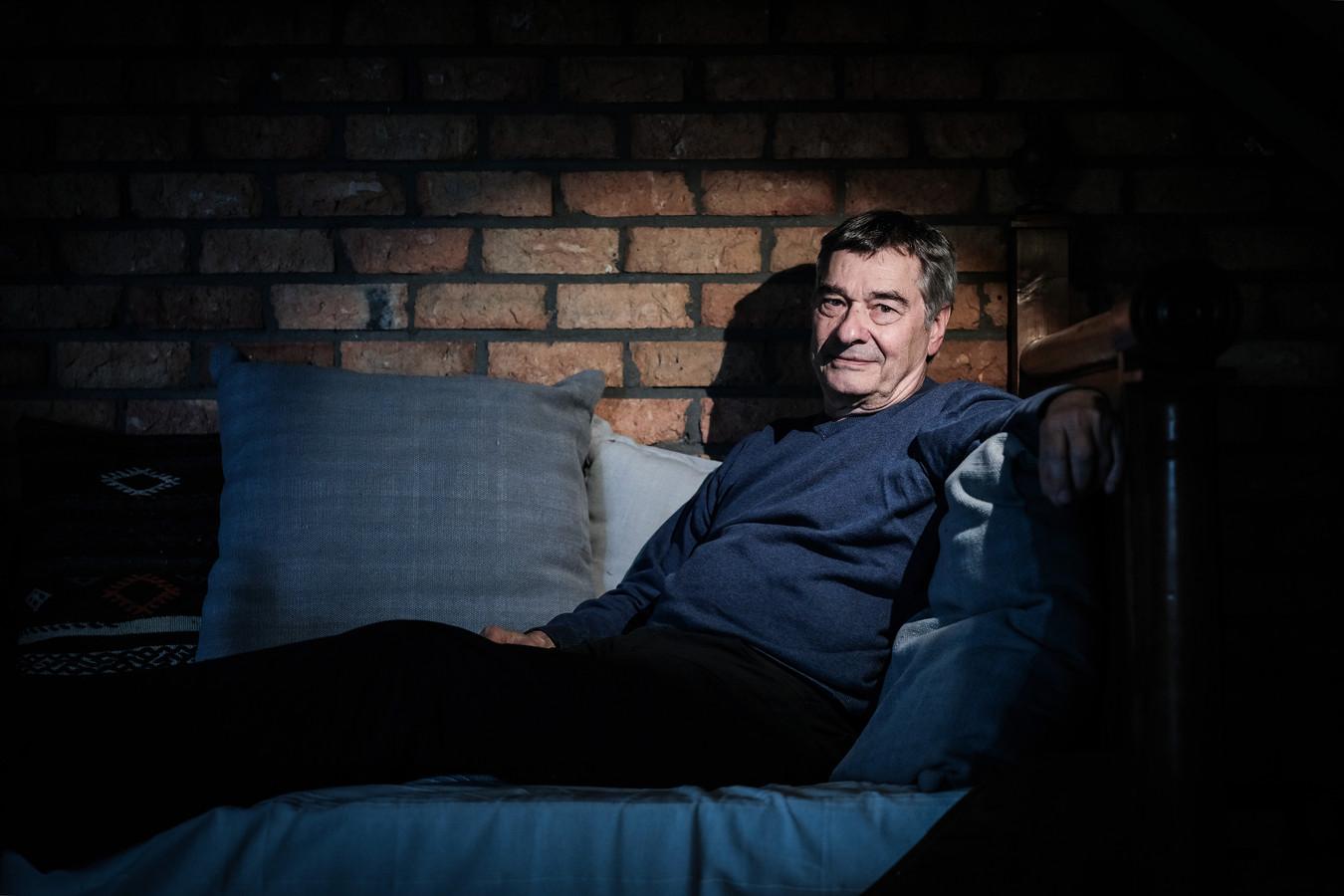 Charles den Tex, thrillerschrijver en oprichter politieke partij tegen windmolens.