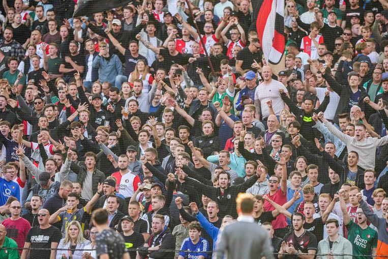 Supporters van Feyenoord in De Kuip in Rotterdam. Beeld ANP
