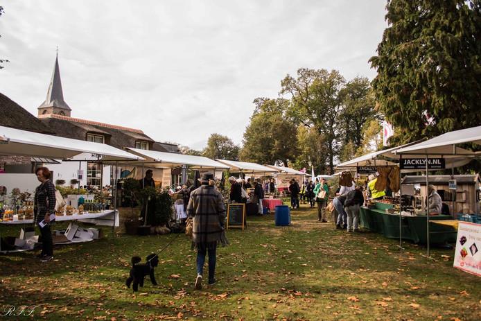 Vilsteren houdt elke derde zaterdag van de maand een sfeervolle boerenmarkt, met tal van streekproducten.