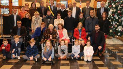 Agnes gehuldigd in stadhuis voor 100ste verjaardag