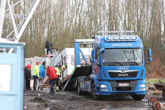 Woensdagmorgen vond de tweede verhuisbeweging van Romazigeuners aan de Hurstweg plaats, vrijdag de laatste.
