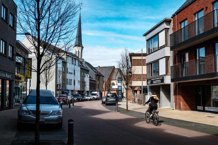 De Provinciale Steenweg in het centrum.