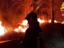 Gemist? Grote bosbranden Sardinië en Zuid-Frankrijk en nieuwe regels voor vakantiegangers