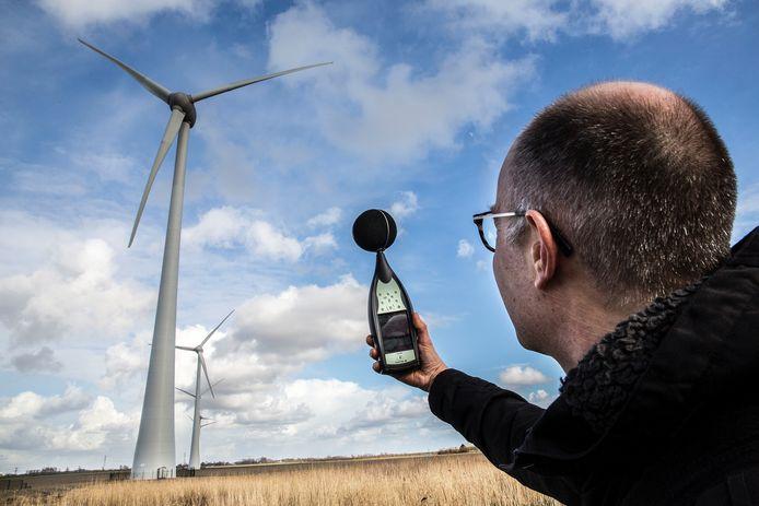 Windpark Spui in Nieuw-Beijerland. Raadsleden uit onder meer Oss, Bernheze en Den Bosch namen er al een kijkje om zich te laten informeren. ARCHIEFFOTO