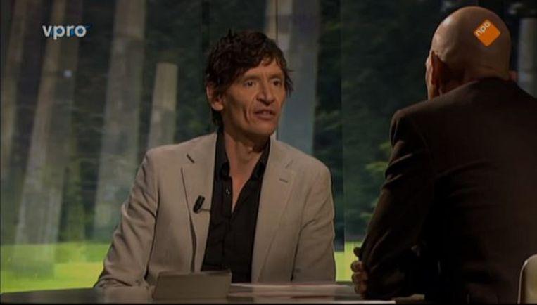 Zomergast Peter Buwalda in gesprek met Wilfried de Jong. Beeld VPRO