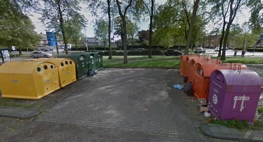 Het containerpark bij de Jumbo aan de Van Beethovenlaan is een geliefde plek onder afvaldumpers.