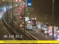 Filevorming bij Voorthuizen door ongeval met vier auto's op de A1