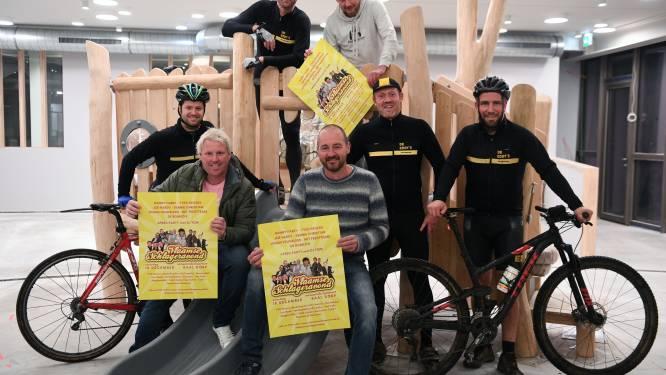 """Retrocyclingteam De Eddy's Baal bereidt zich voor op negentiende editie Vlaamse Schlageravond: """"Uitkijken om opnieuw iedereen uit de bol te zien gaan"""""""