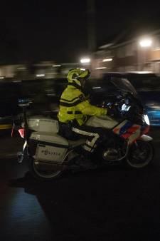 De nacht na de 20 autobranden waken de politie én de bewoners: 'Reken er maar op dat in elke straat iemand wakker blijft'