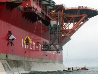 Greenpeace bezet Russisch olieplatform in noordpoolgebied