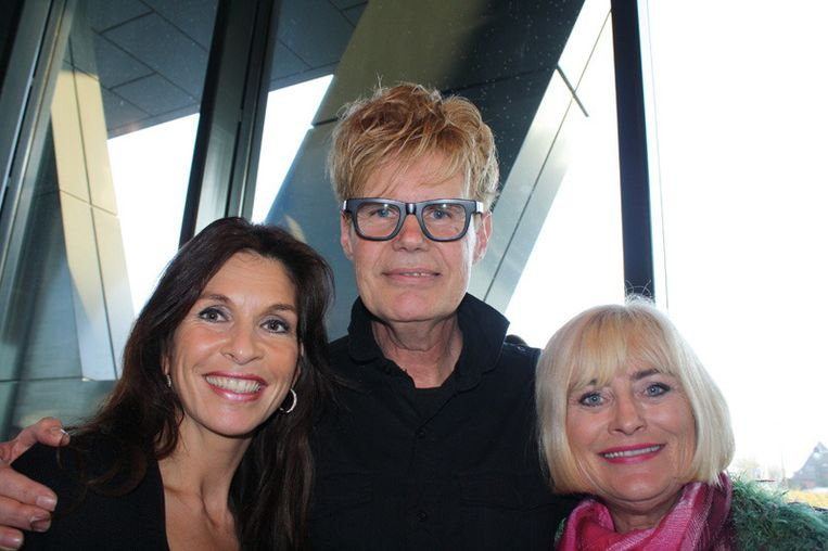 V.l.n.r.: Presentatrice Susan Blokhuis, Ad Visser en Vivian Boelen vinden alleen de geitenkaasquiche oké. Beeld