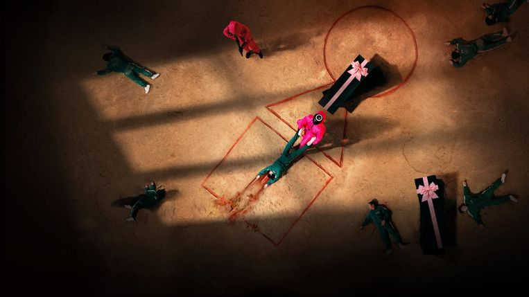In Squid Game spelen de personages levensgevaarlijke spellen. Beeld Netflix