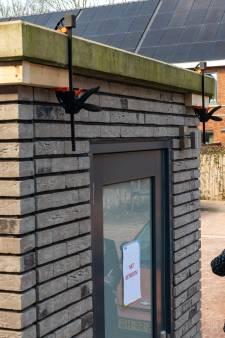 Schuurtjes in prefabwijkje met Slokkerwoningen in Ermelo dreigen uiteen te spatten