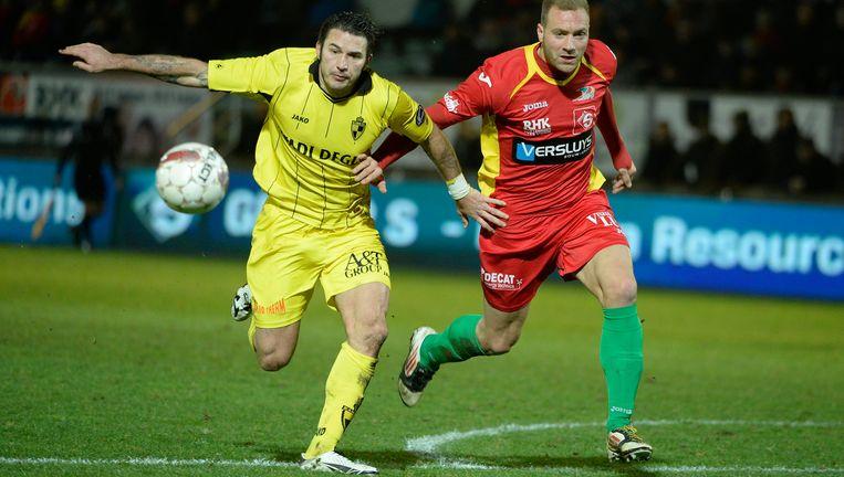 Hoefkens hier eerder dit jaar met Lierse in actie tegen KV Oostende. Beeld PHOTO_NEWS