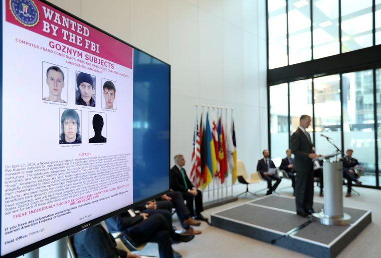 Gezochte verdachten tijdens de presentatie van Europol in Den Haag.