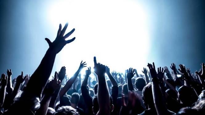Politie legt lockdownfeestje stil in Hamme: 20 feestvierders in loods betrapt