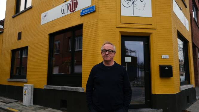 Wim Poppe (67) van wereldcafé Gitan opent nieuwe tapasbar, op van 20 meter van zijn café