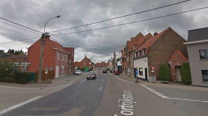 Aannemer steekt tandje bij in Kortrijkstraat om nieuw verkeersinfarct te voorkomen