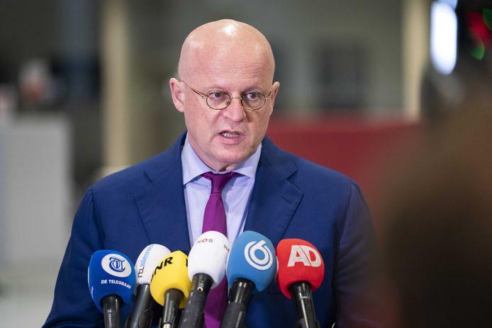 Demissionair minister Grapperhaus meldde de Tweede Kamer dat de Rijksrecherche onderzoek had gedaan naar de dood van politie-informant Freddy Janssen. Dat blijkt onjuist.