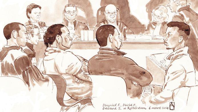 Rechtbanktekening. Op de voorgrond: advocaat Mr. Roethof van David F., advocaat Mr. Broers van Dayniel F., Dayniel F., David F., Edward S. en diens advocaat Mr. Kaarls