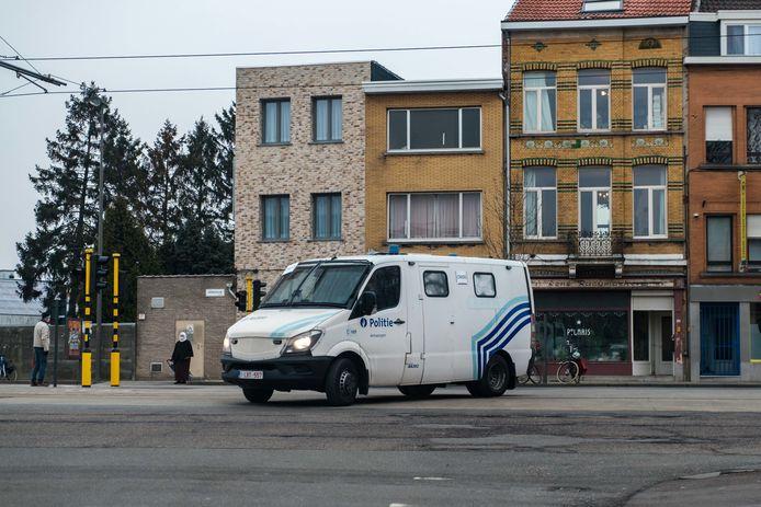 De politie hield zaterdagnamiddag het huis van Bart De Wever in de gaten, maar het bleef rustig.